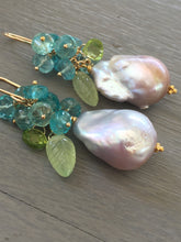 Load image into Gallery viewer, Lavender Baroque Pearl Earrings