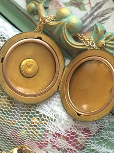 Antique Wightman & Hough Engraved Pattern Locket