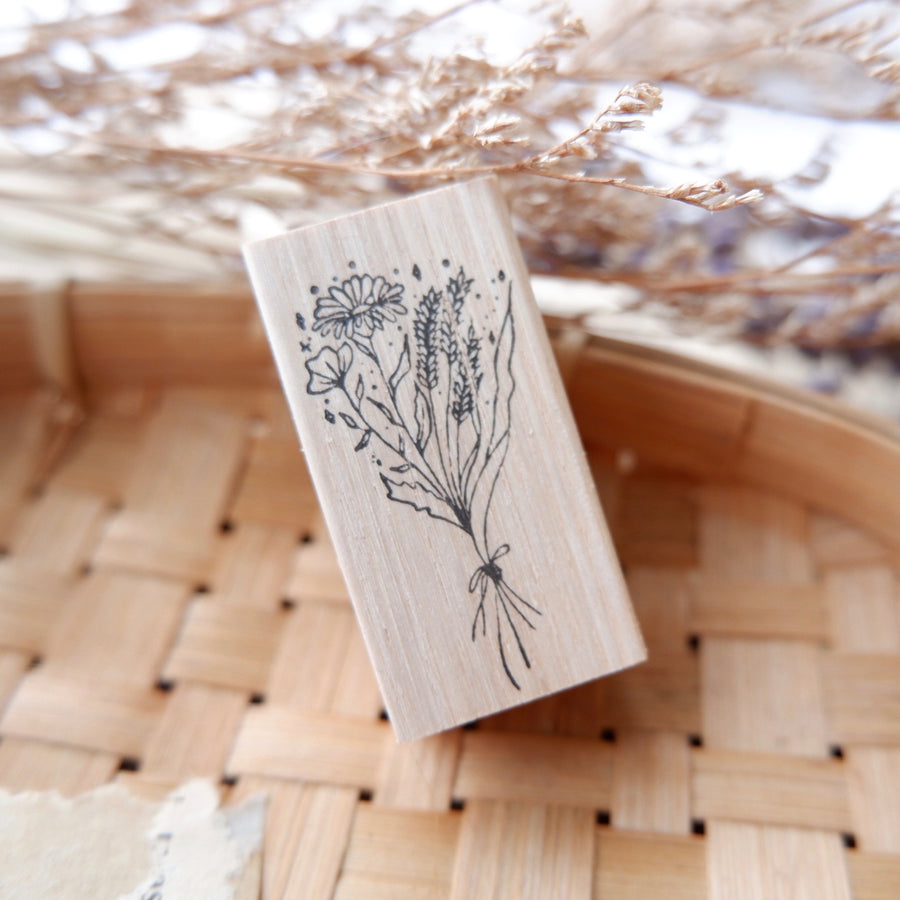 Laabiri Spring bouquet rubber stamp