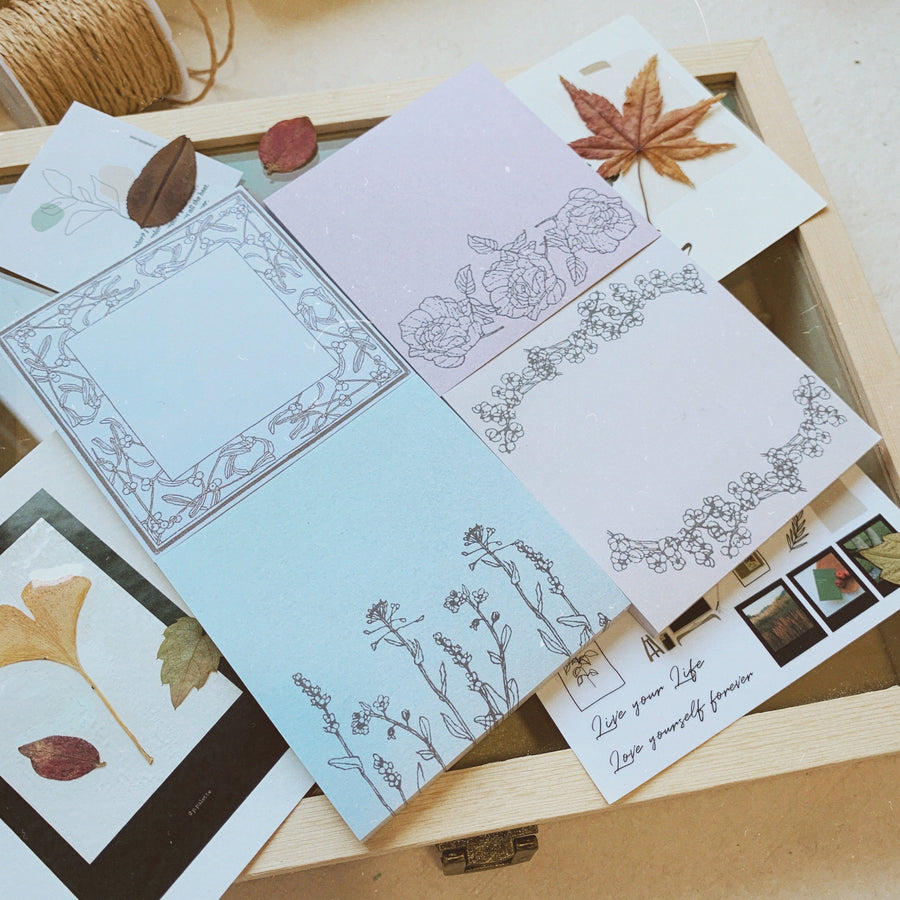 Papier Platz x Hutte Botanical Sticky Notes
