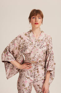 Women wearing Fortuna Kimono Jacket 100% Silk and Embroidery by Alexandra Long avalible at Natural x Lab, sustainble Luxury, Limited Edition