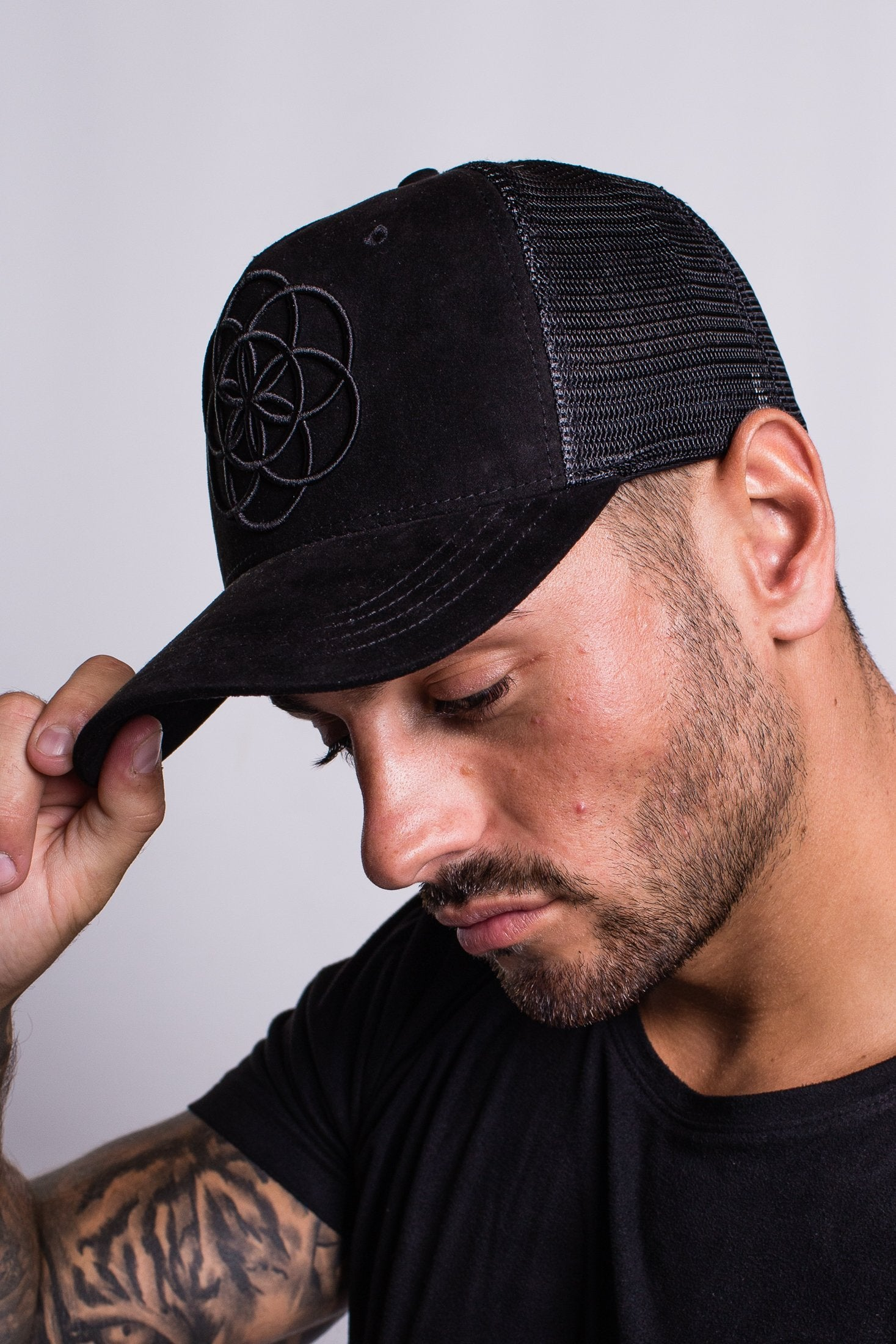 Scar Tissue Suede Trucker (BLACK)