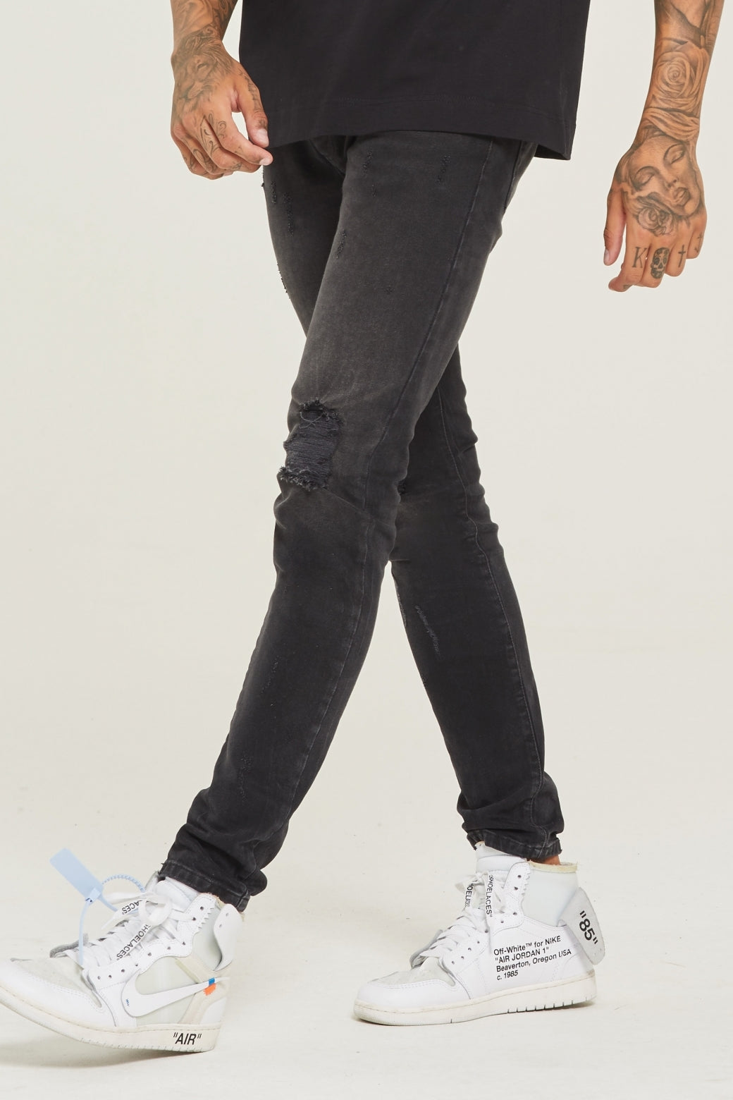 Destroyed Slim Fit Wash Black Denim Jeans - ZANMODA