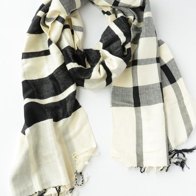 Fair Anita Cais Checkered Scarf in black