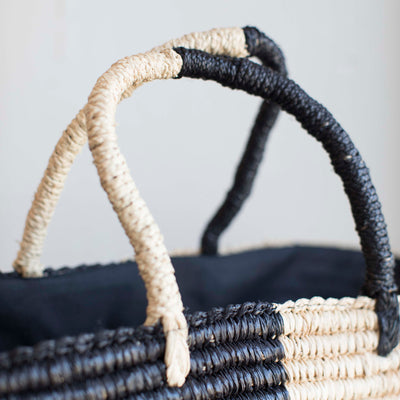 Straw bag strap details handmade with raffia in black and cream tones