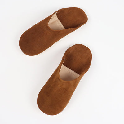 Babouche Moroccan slippers in Camel suede by Socco