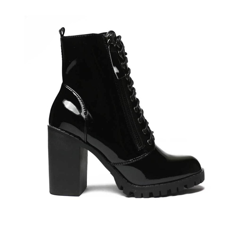 BOTINES Patent black booties STYLETTO