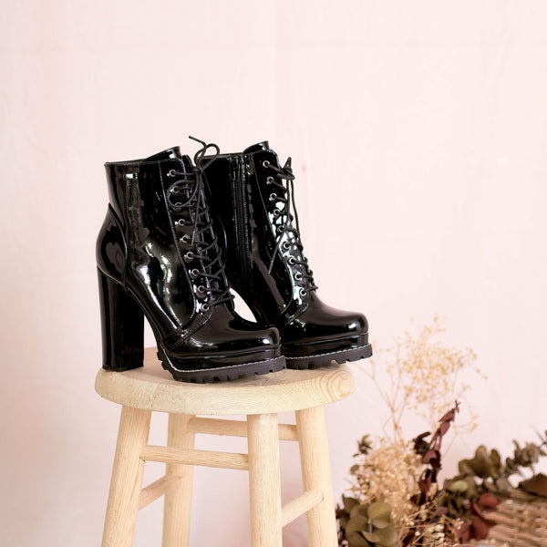 BOTINES Patent Leather Booties STYLETTO
