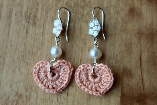 4th anniversary linen earrings - flower wire pink with white pearls