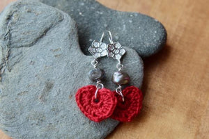 4th anniversary linen earrings - flower wire red with grey pearls