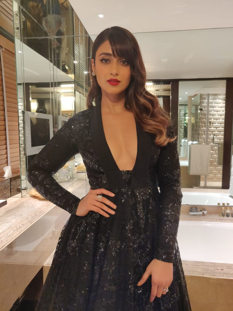 Ileana D'cruz In Black Sequinned Gown
