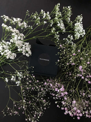 Black candle box for Illumine with flowers