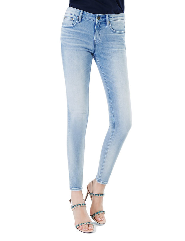 D-ID Women's 220 Skinny Fit Jeans Regular Waist Light Blue