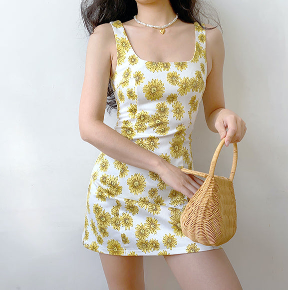 70s Retro Chrysanthemum Dress ~ HANDMADE