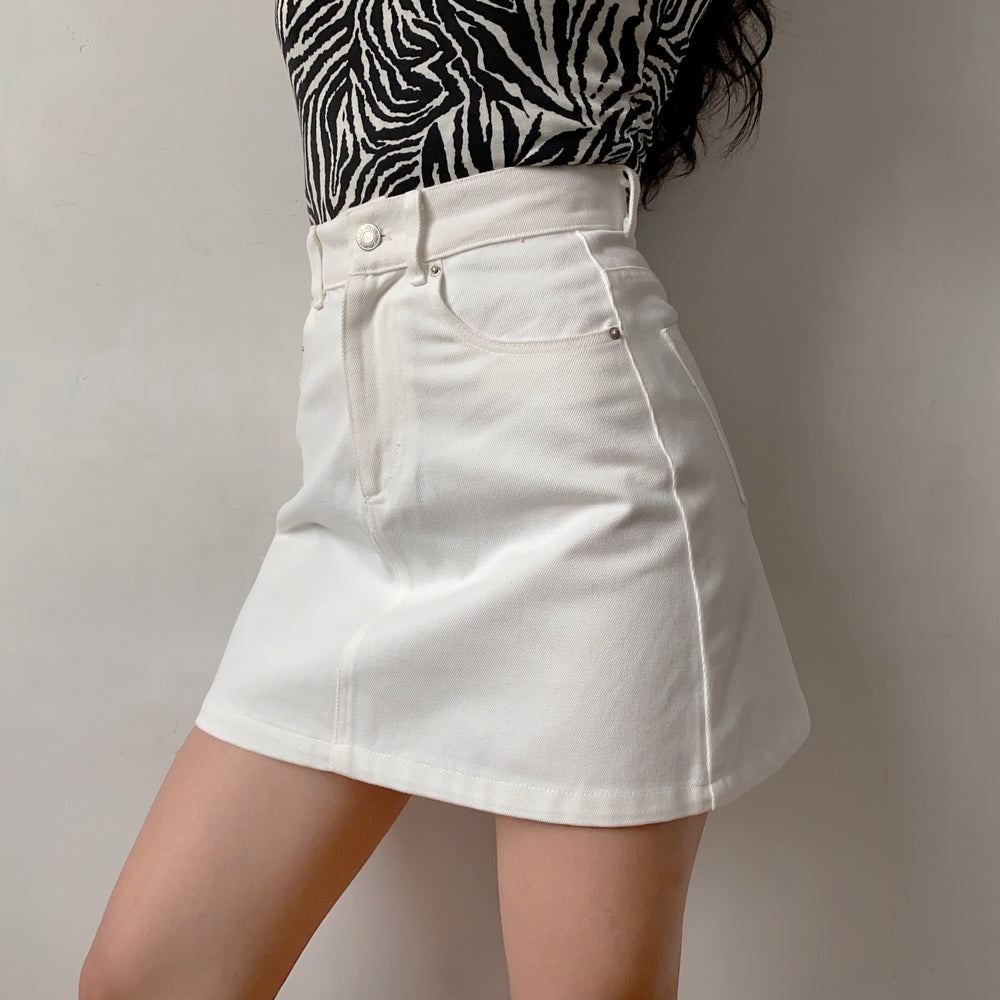 Lookbook Denim Skirt // White ~ HANDMADE