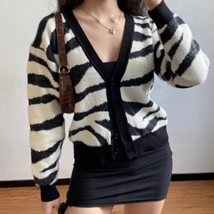 Load image into Gallery viewer, Zebra Loose Knit Cardigan