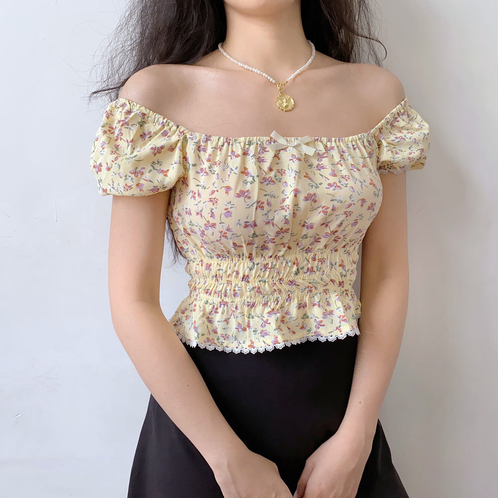 Load image into Gallery viewer, Belle Broderie Lace Top // Lemon Chiffon