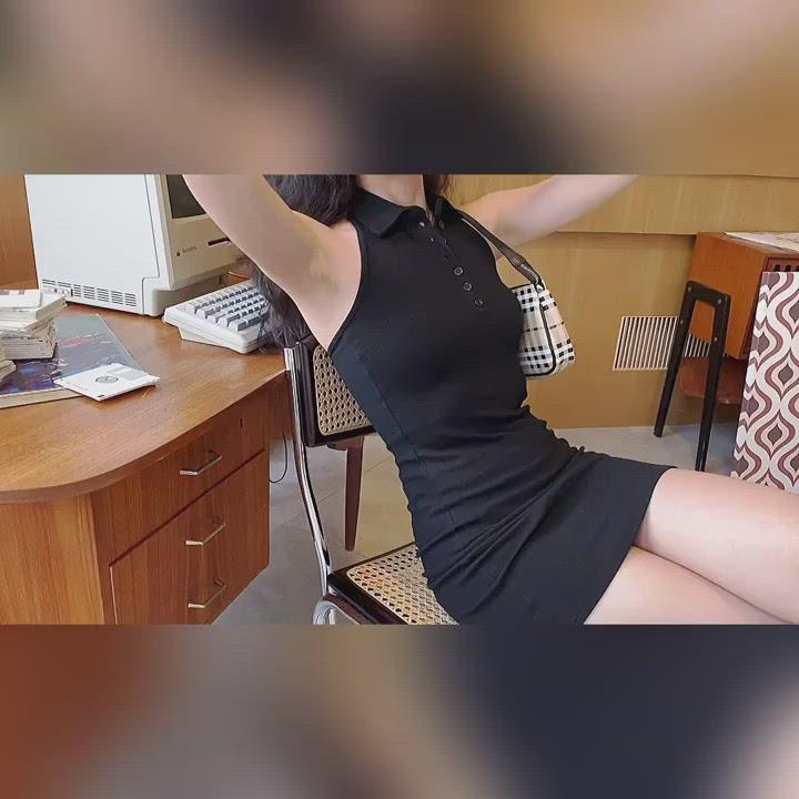 Load and play video in Gallery viewer, 70s Slim Halter Polo Dress