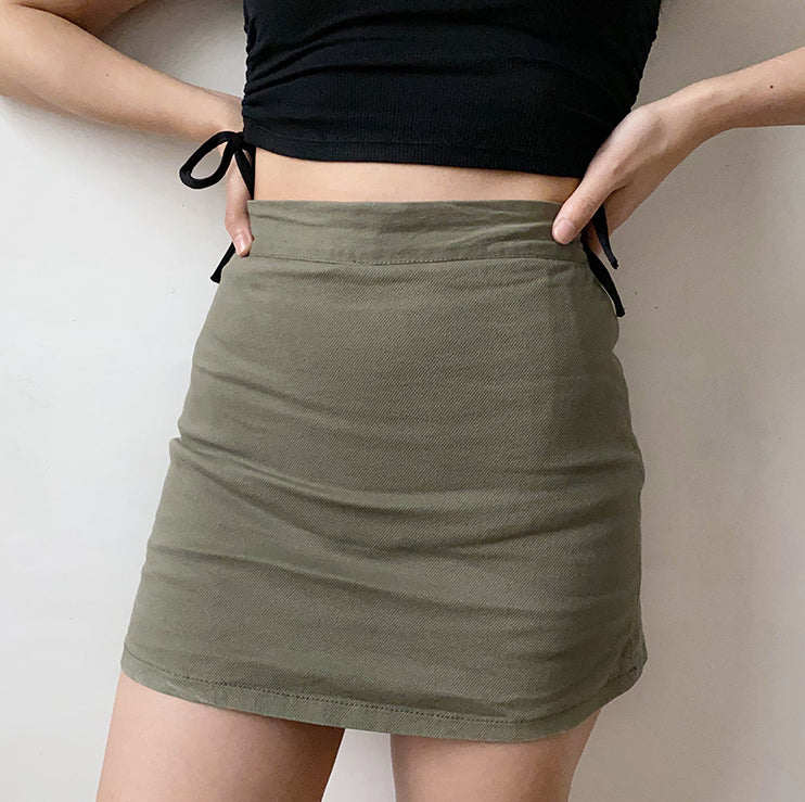 Load image into Gallery viewer, Cargo Half-Length Skirt - Pellucid