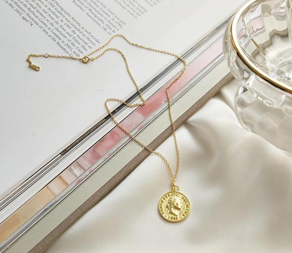 Load image into Gallery viewer, y2k coin necklace - Pellucid
