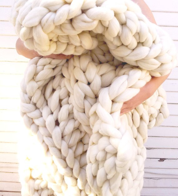Creme Vegan Chunky Knit Braid Blanket