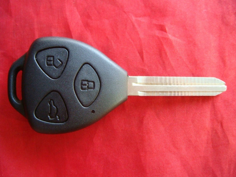 UNcut key shell  for Toyota 3 button key shell modified key shell for toyota Camry REIZ