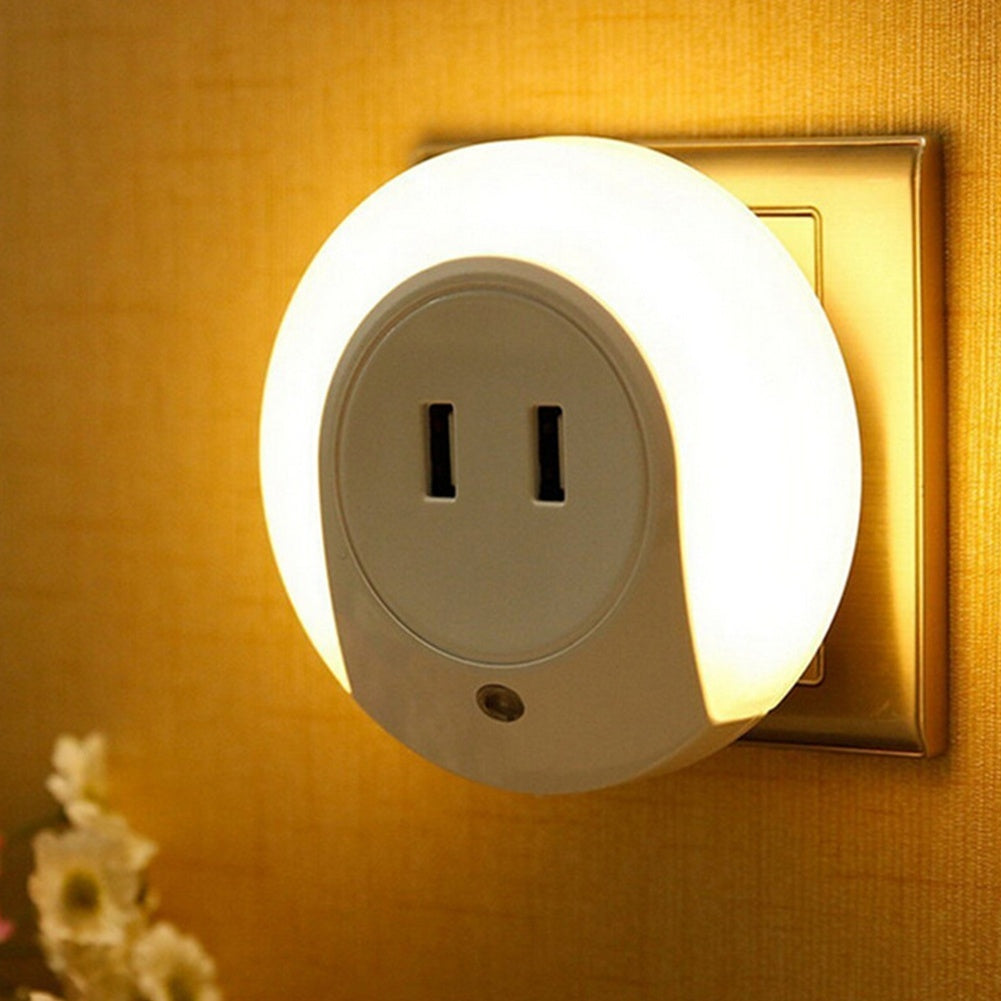 Smart Design LED Night Light with Light Sensor and Dual USB Wall Plate Charger Perfect for Bathrooms Bedrooms EU/US Plug