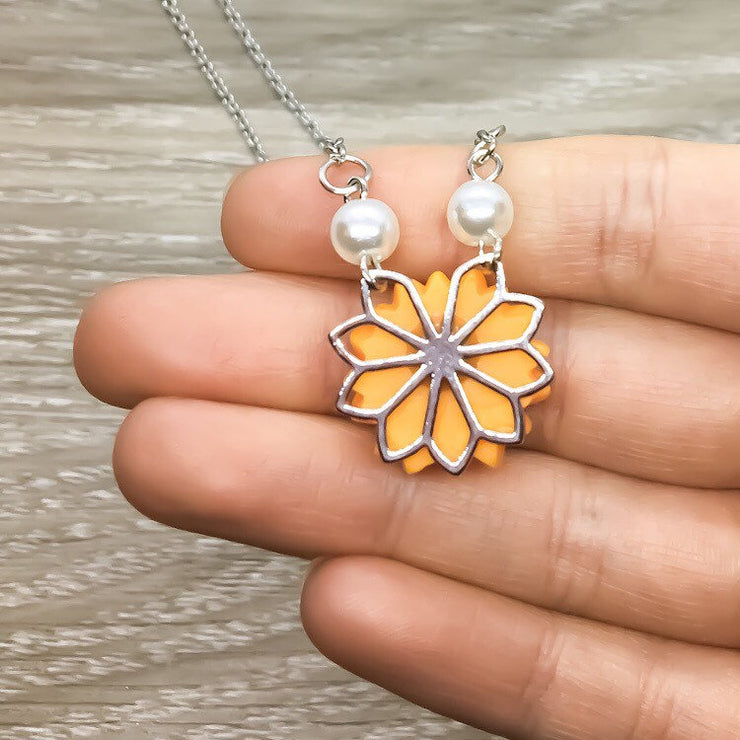Sunflower Necklace, Yellow Flower Jewelry, Pearly Friendship Necklace, Nature Gifts, Gift from Best Friend