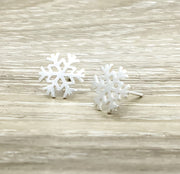 Dainty Snowflake Stud Earrings, Canada Earrings, Winter Wedding Bridal Jewelry, Winter Themed Jewelry, Christmas Gift, Stocking Filler