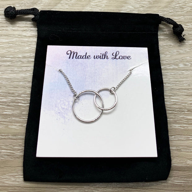 Bonus Mom Gift, Interlocking Circles Necklace, Circular Pendant, Linked Circles Necklace, Unbiological Mother Gift, Mother of the Groom