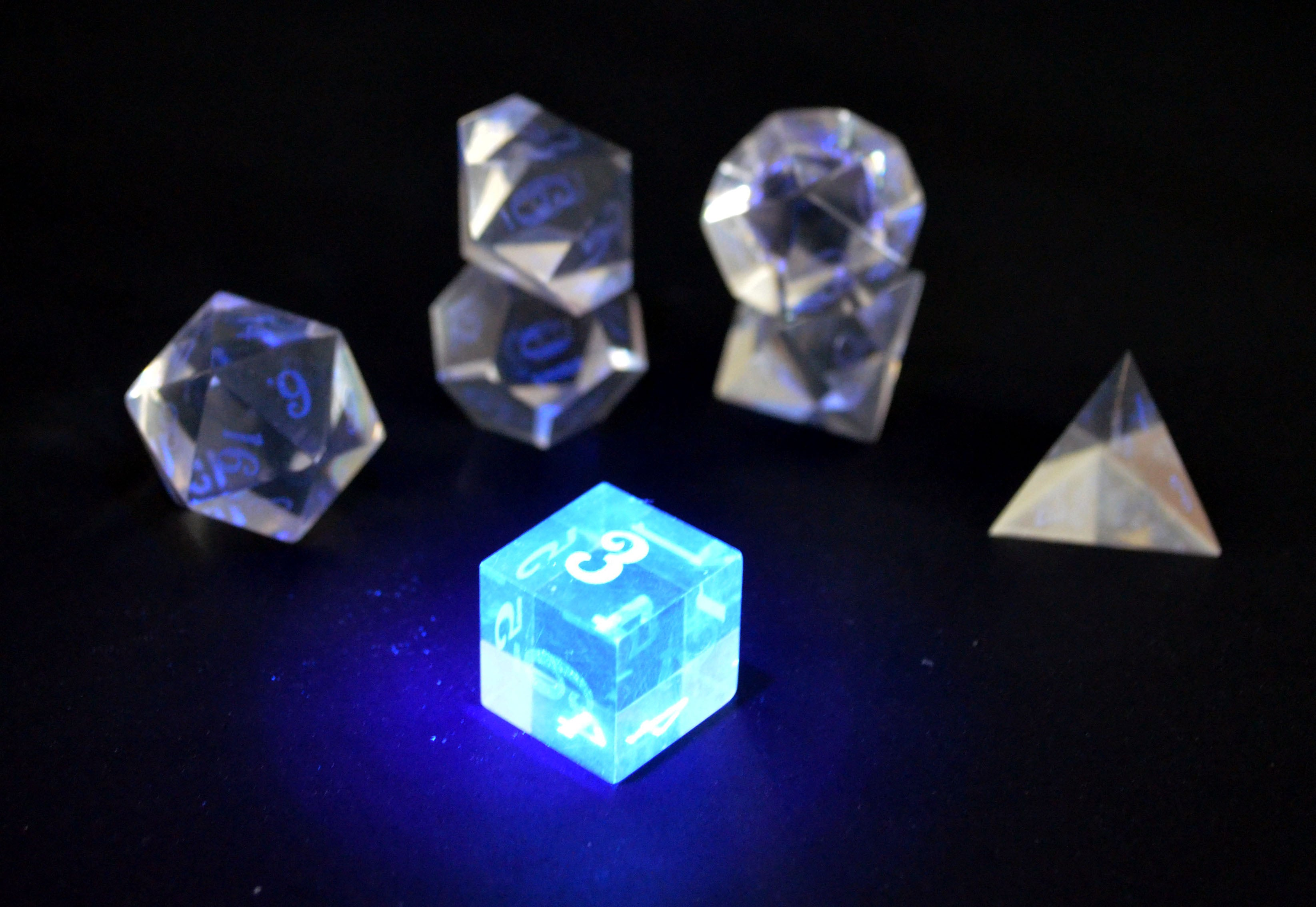 Stealth Mk3 UV Black UV Light Dice Set