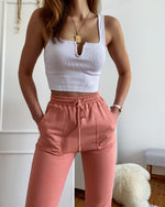 Jogger in Apricot