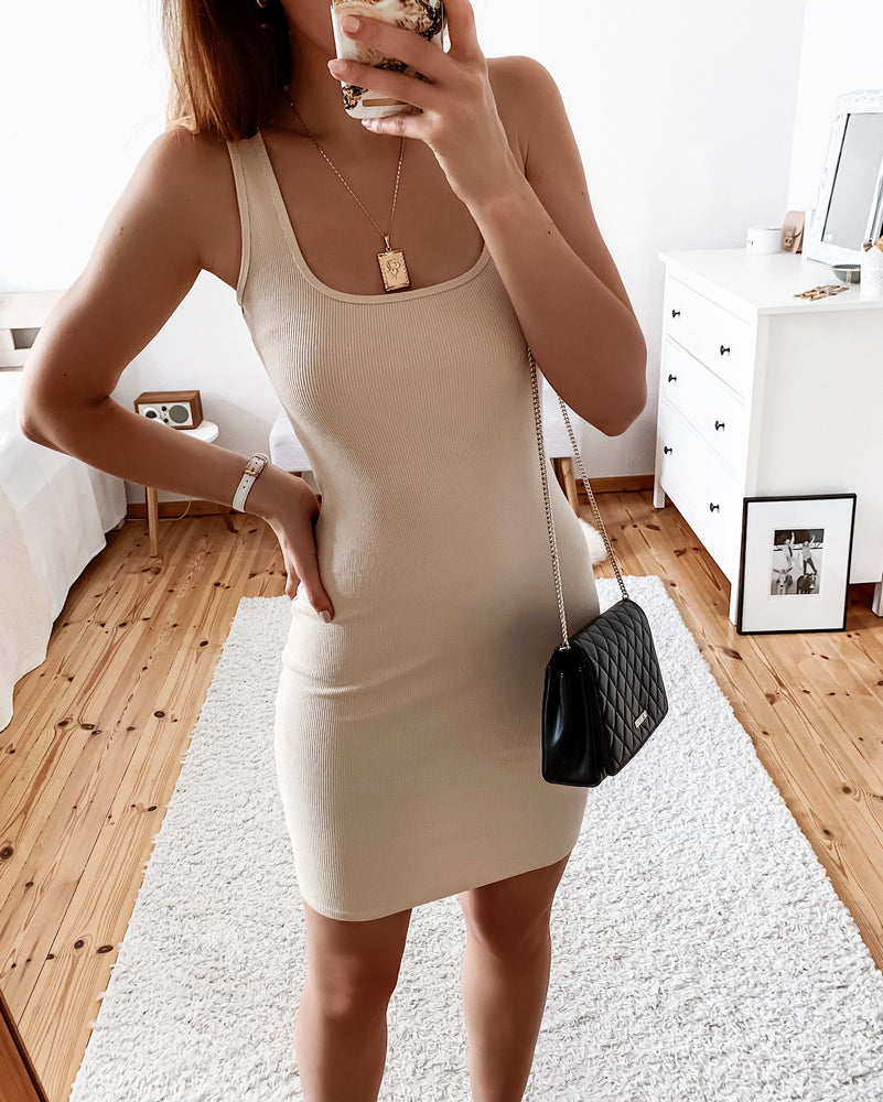 Load image into Gallery viewer, Figure-hugging dress in pink & beige