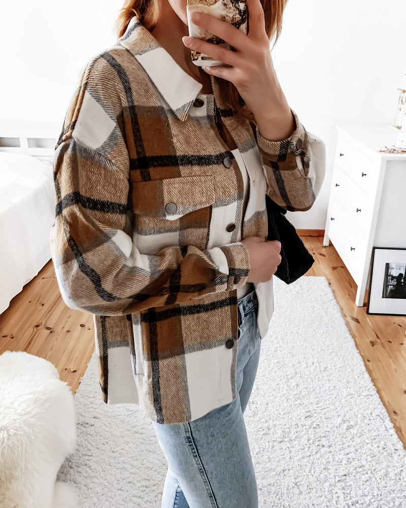 Fluffy shirt jacket with a check pattern in beige/brown
