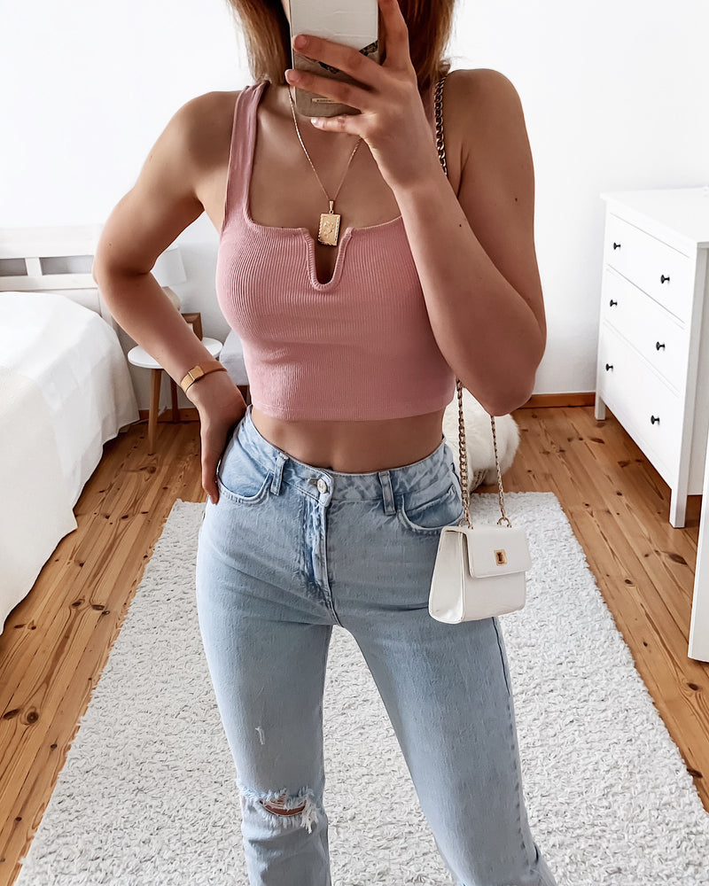 Ripp Top mit Cut Out