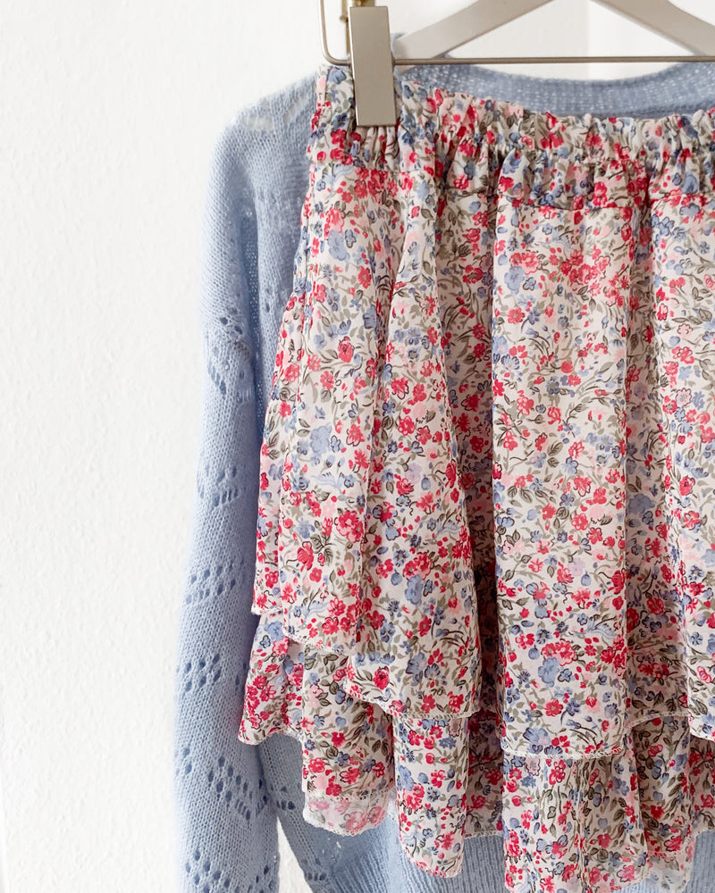 Load image into Gallery viewer, Skirt with a floral print