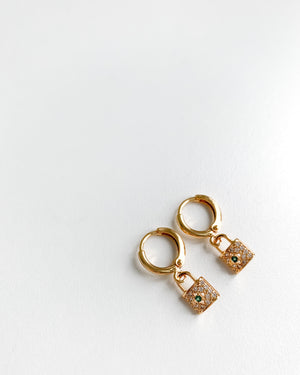 Load image into Gallery viewer, Earrings with a round pendant