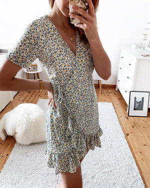 Wrap dress with little flowers