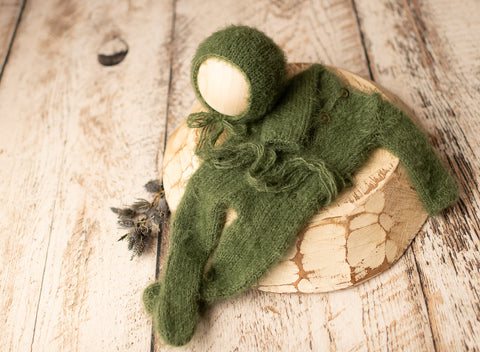 Christmas Green Footed Romper Set - FleurFotoKnits - Newborn & Sitter Photography Props