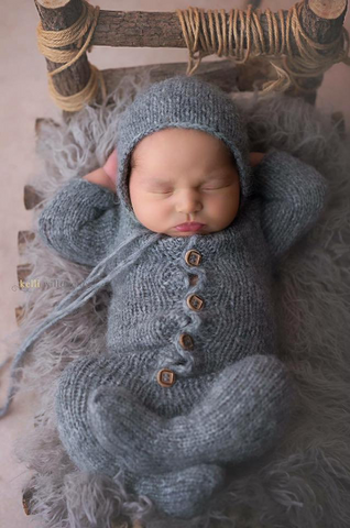 Footed Long-Sleeve Romper with matching bonnet set - FleurFotoKnits - Newborn & Sitter Photography Props