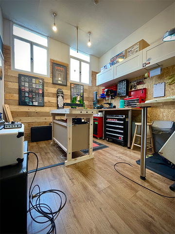 Flat 5 Guitar Repair workshop at Guitarbitz