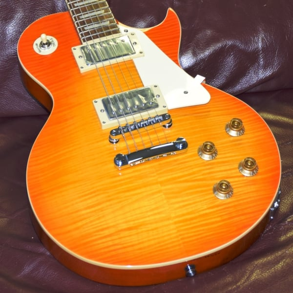 V100 - Flame Honeyburst