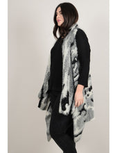 Curve Sleeveless open cardigan, soft knit, grey camouflage pattern.