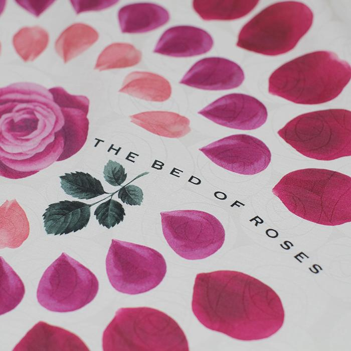 the bed of roses - CLASSICS the Small Luxury
