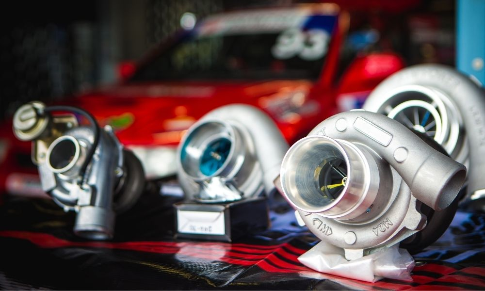 The Differences Between Superchargers and Turbochargers