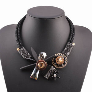 2018 new handmade bib black rope chain with crystal flower pendant necklace .