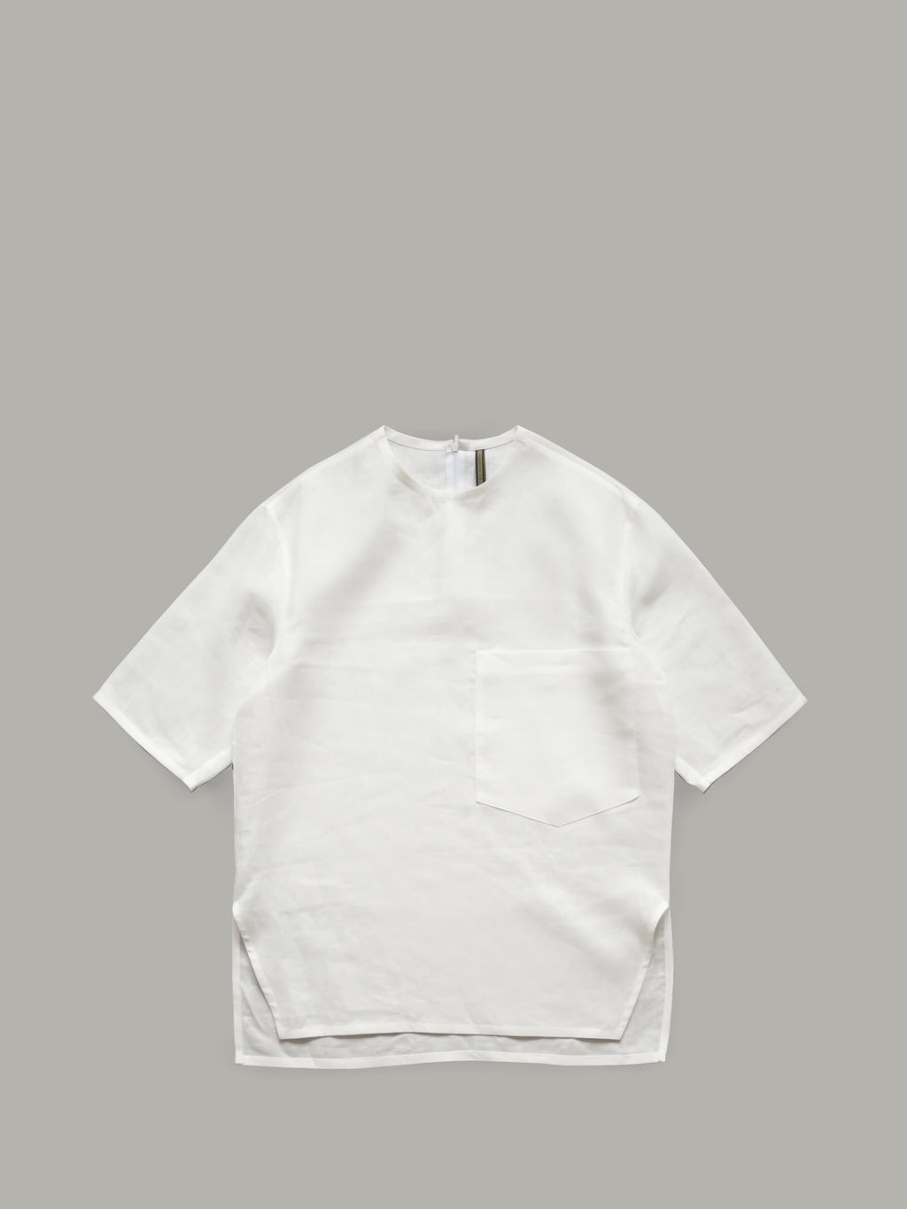 PURE LINEN T-SHIRT WITH OVERSIZED POCKET DETAIL