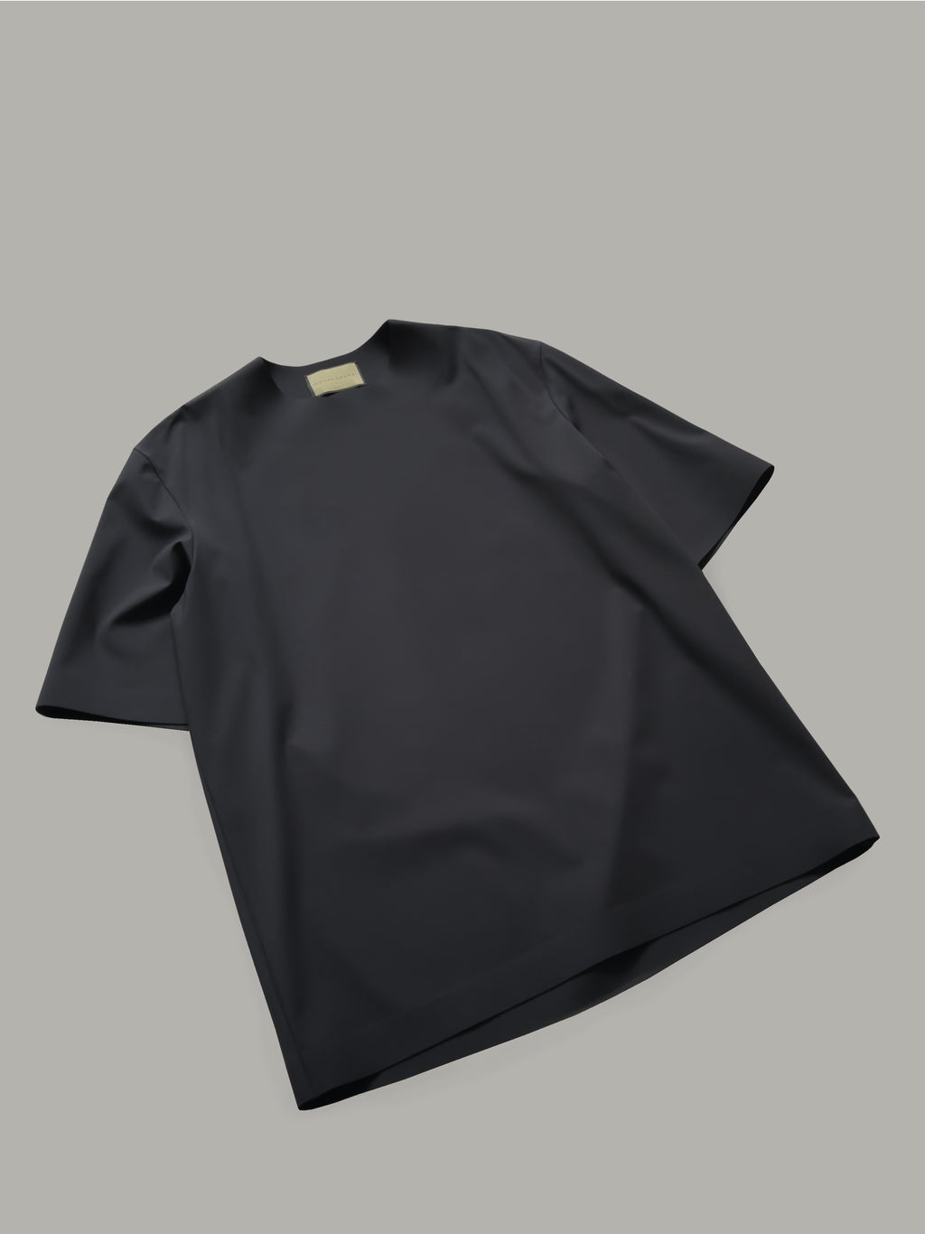 ROUND NECK T-SHIRT WITH BONDED DETAILS - BLACK