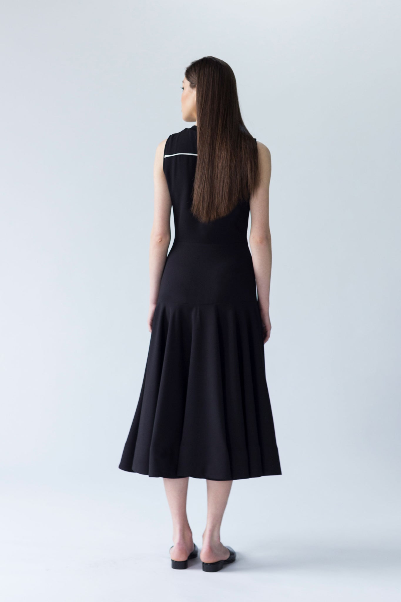 CONTRAST-TRIM CREPE DRESS WITH KNIT RIB NECKLINE