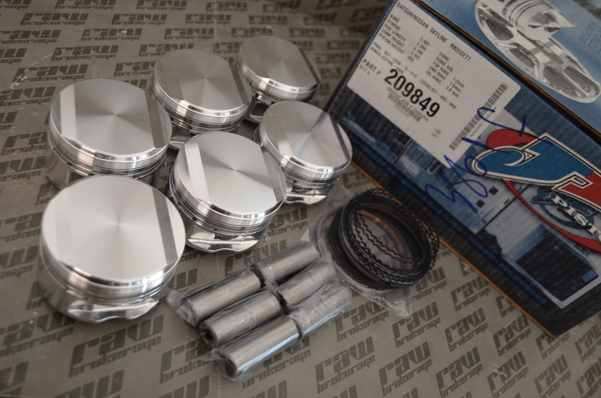 JE Forged Pistons 86.5mm 8.2:1 CR for Nissan RB26DETT